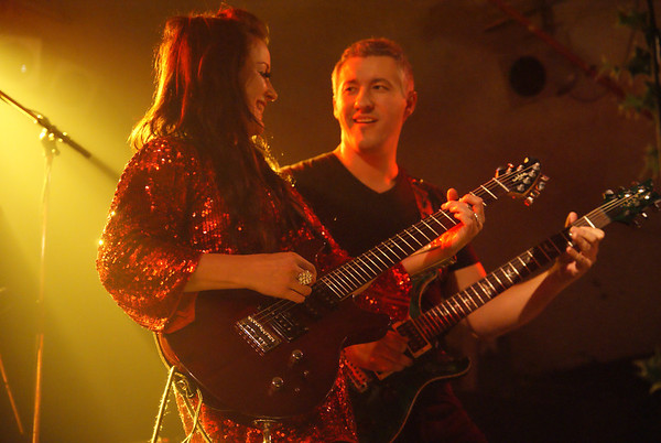 Anne-Marie Helder and Paul Davies of Panic Room at Bilston Robin 2, 4th Dec 2011