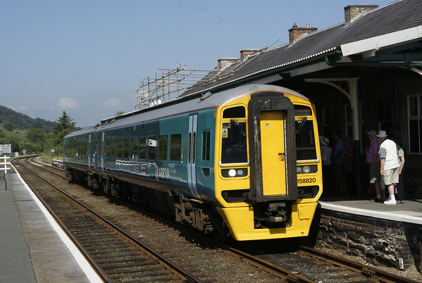 Arriva Trains 158 at Porthmadog