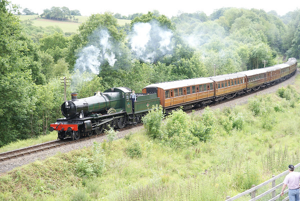 """7812 """"Earlstoke Manor"""" approaches Highley"""