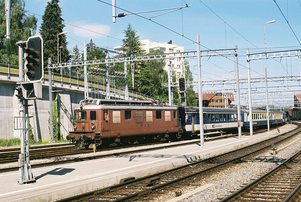 BLS Ae4/4  no 258 arrives at Speiz with a train from the Simmental line.